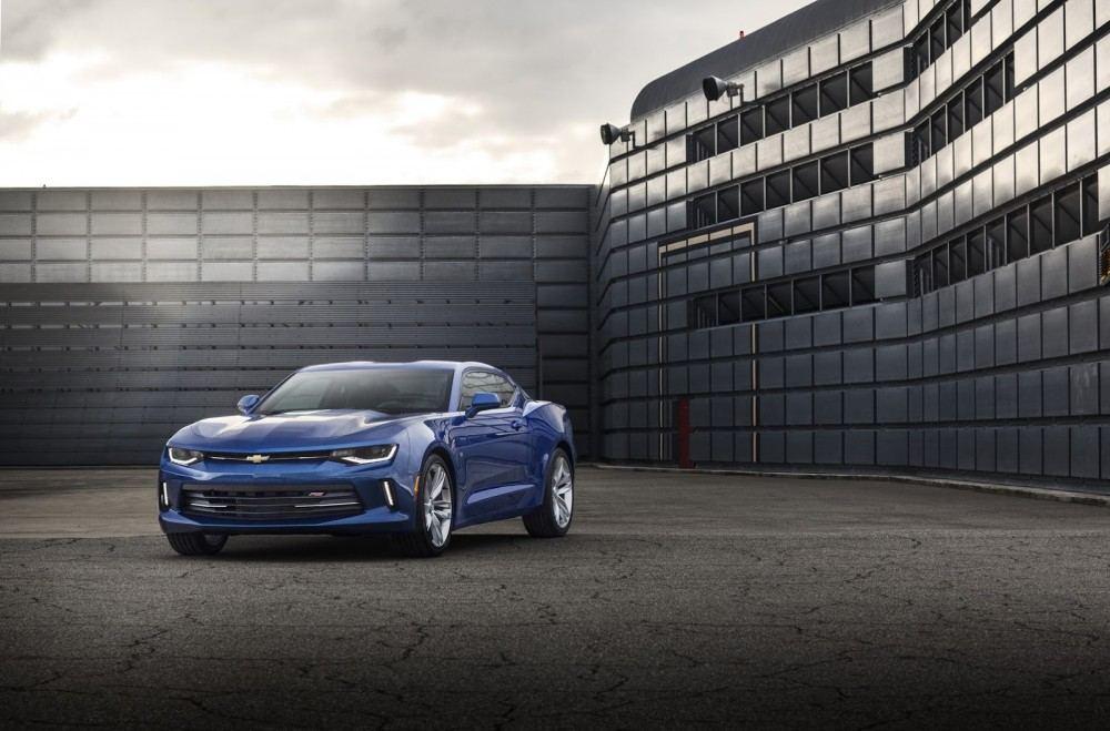 2016-Chevrolet-Camaro-12