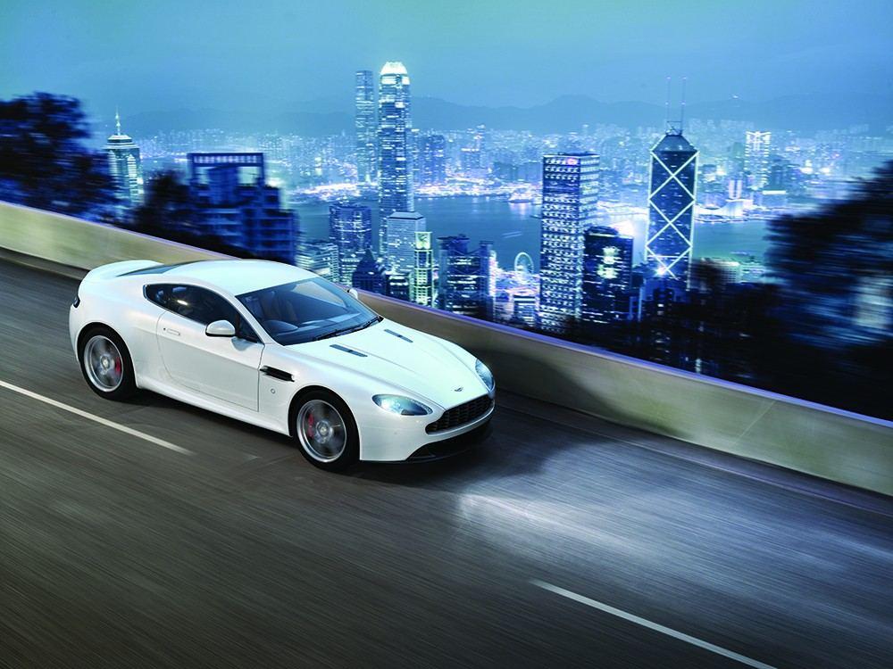 2016-Aston-Martin-V8-Vantage-1