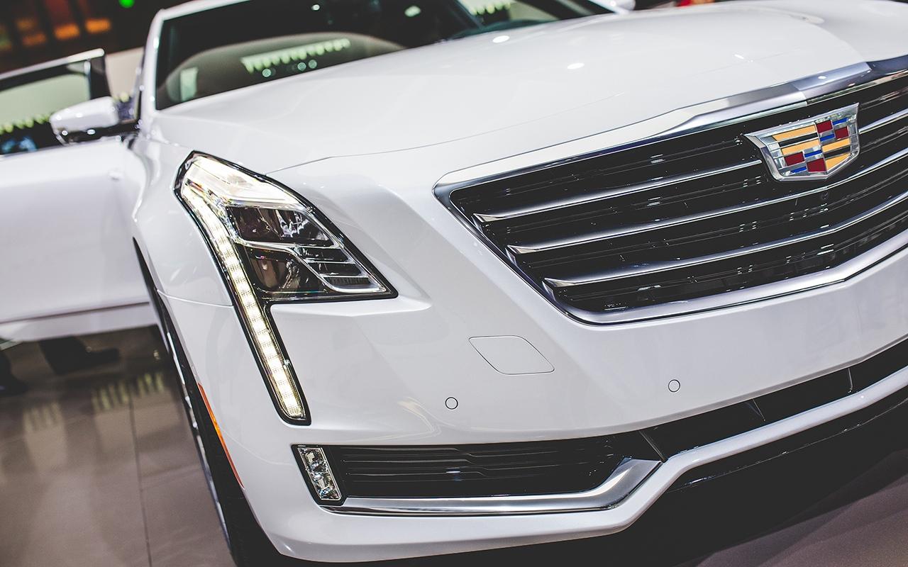 2016-Cadillac-CT6-1