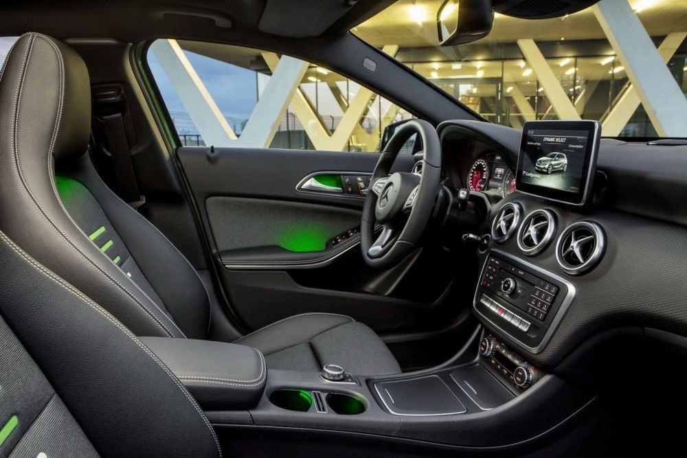 2016-Mercedes-A-Class-1