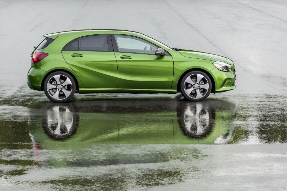 2016-Mercedes-A-Class-10