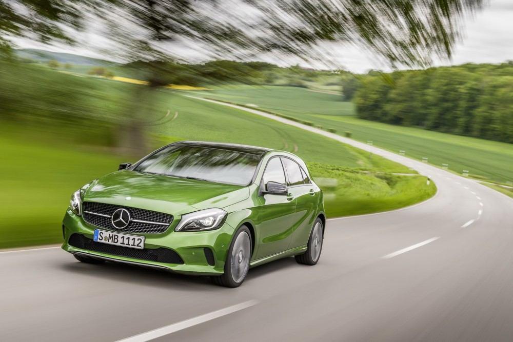 2016-Mercedes-A-Class-12