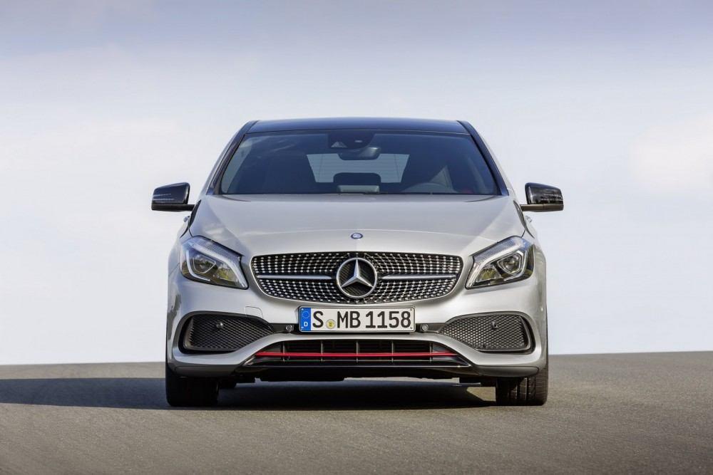 2016-Mercedes-A-Class-36