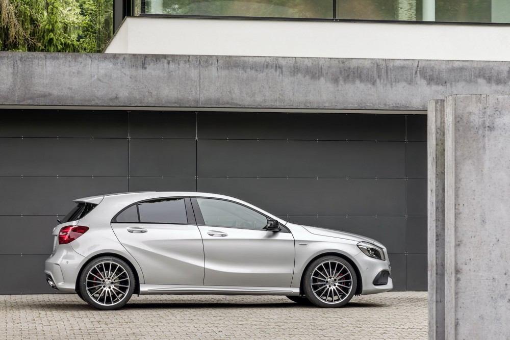 2016-Mercedes-A-Class-38