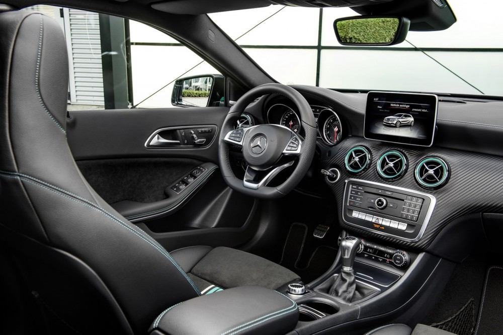 2016-Mercedes-A-Class-47