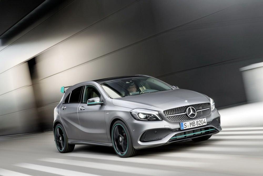 2016-Mercedes-A-Class-51