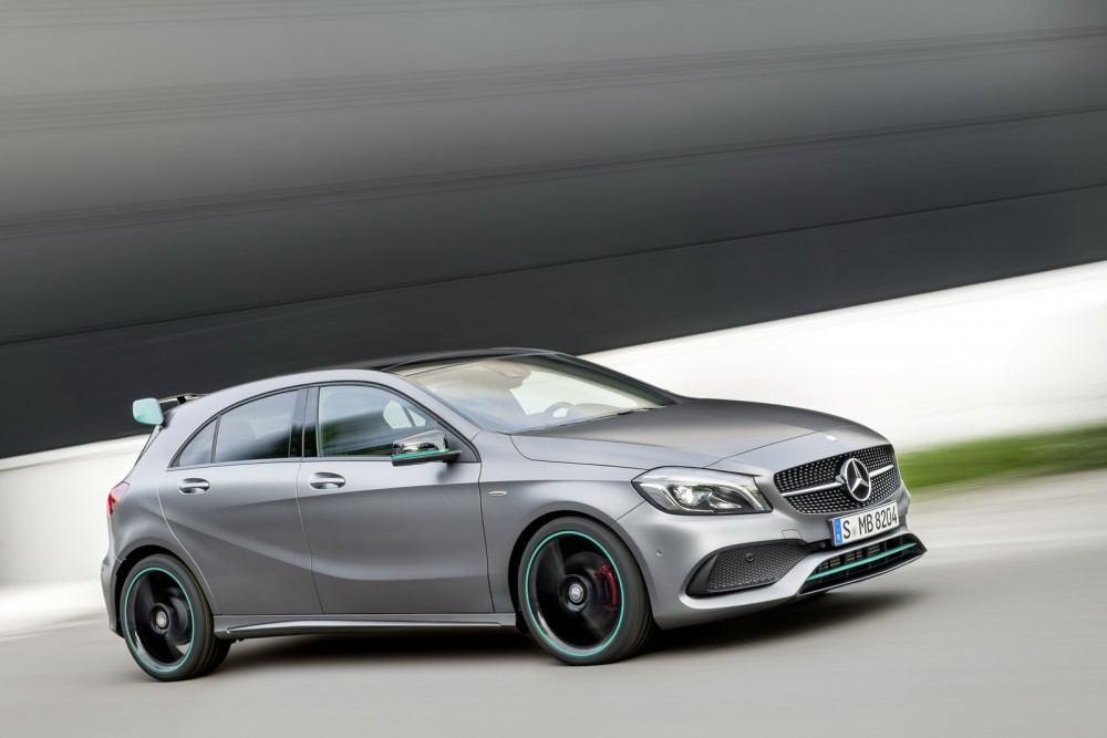 2016-Mercedes-A-Class-52