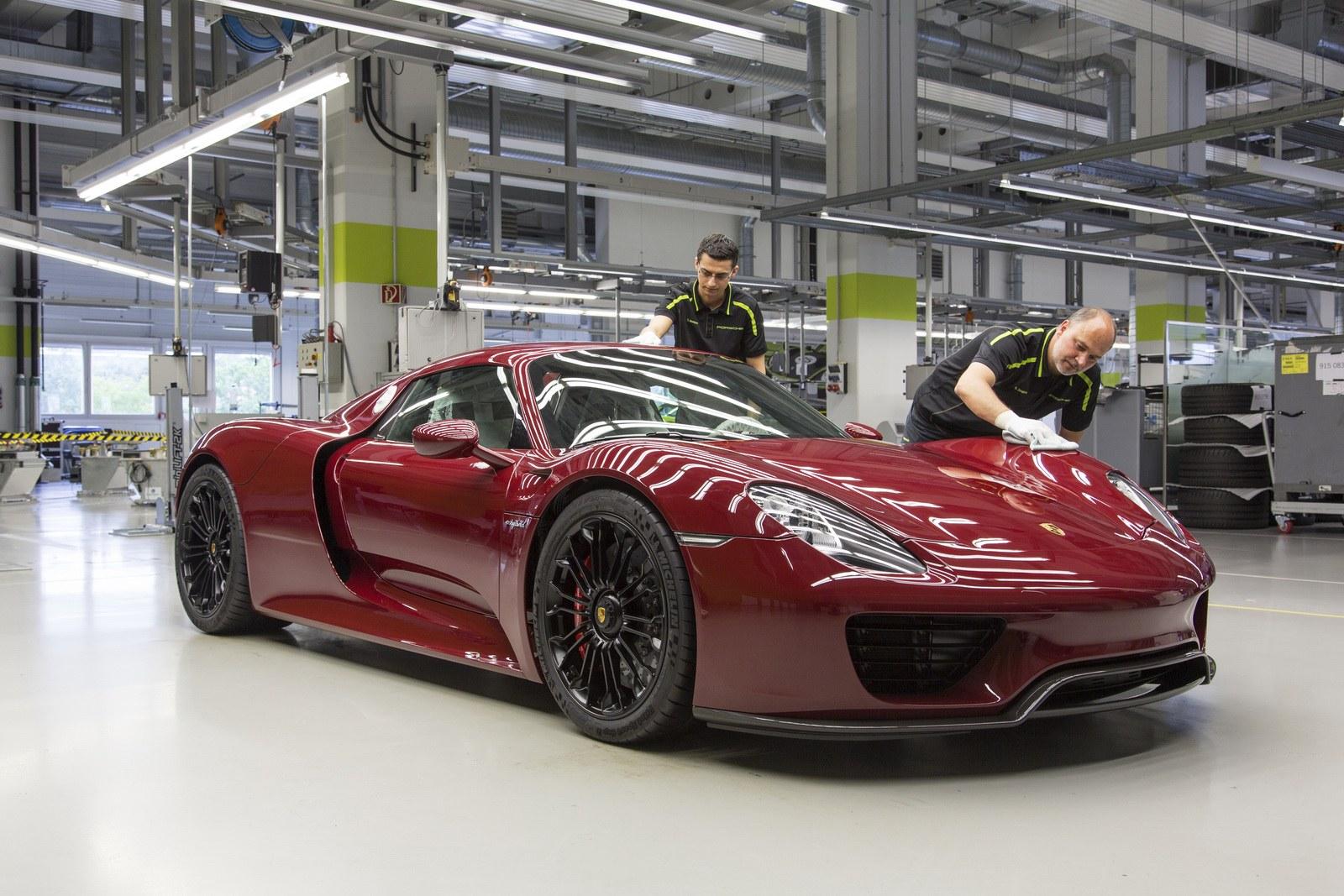 Final-Porsche-918-Spyder-2