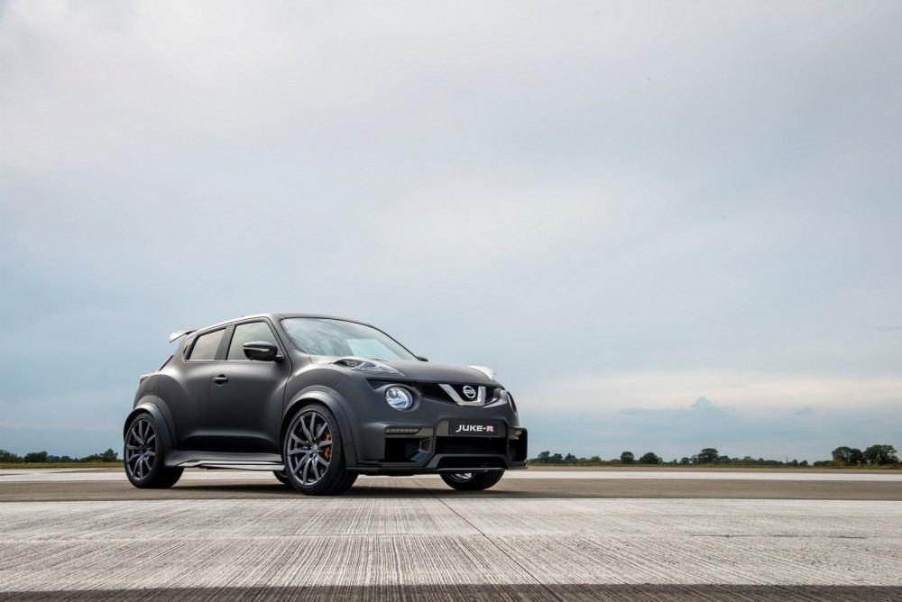 Nissan-Juke-R-20-1