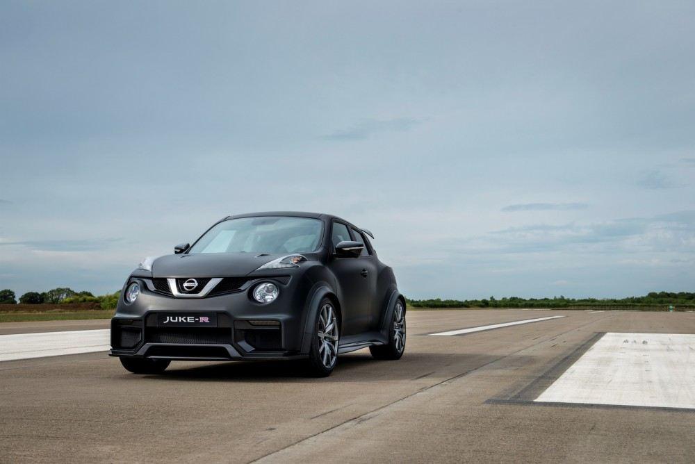 Nissan-Juke-R-20-15