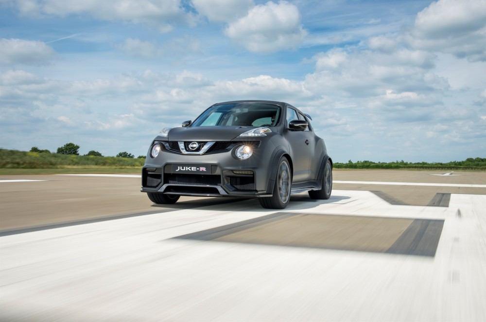 Nissan-Juke-R-20-17