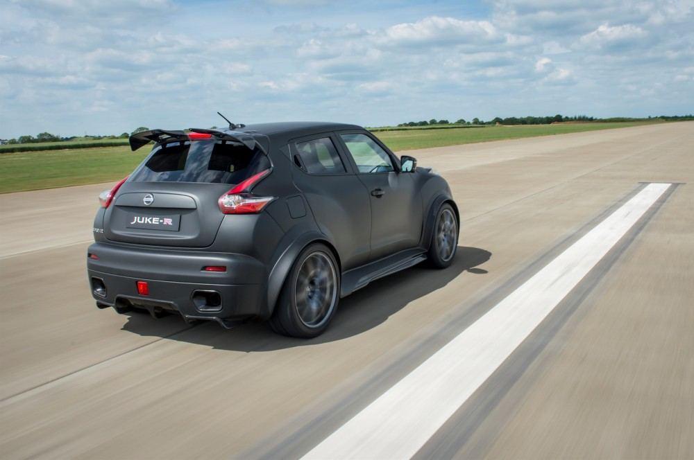 Nissan-Juke-R-20-18