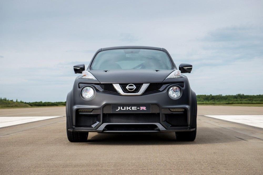 Nissan-Juke-R-20-3