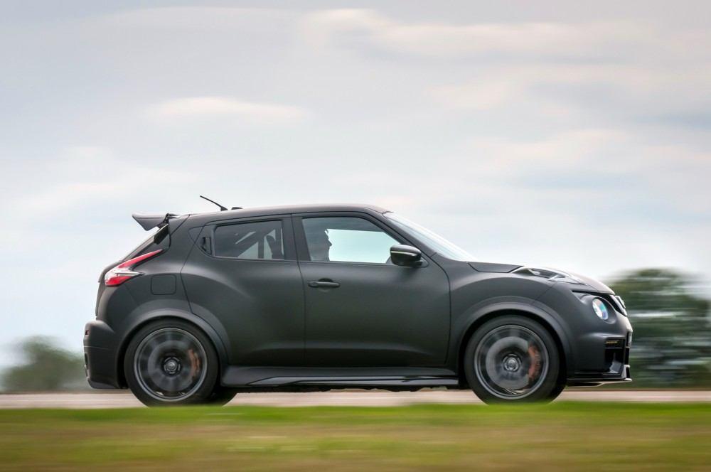 Nissan-Juke-R-20-9