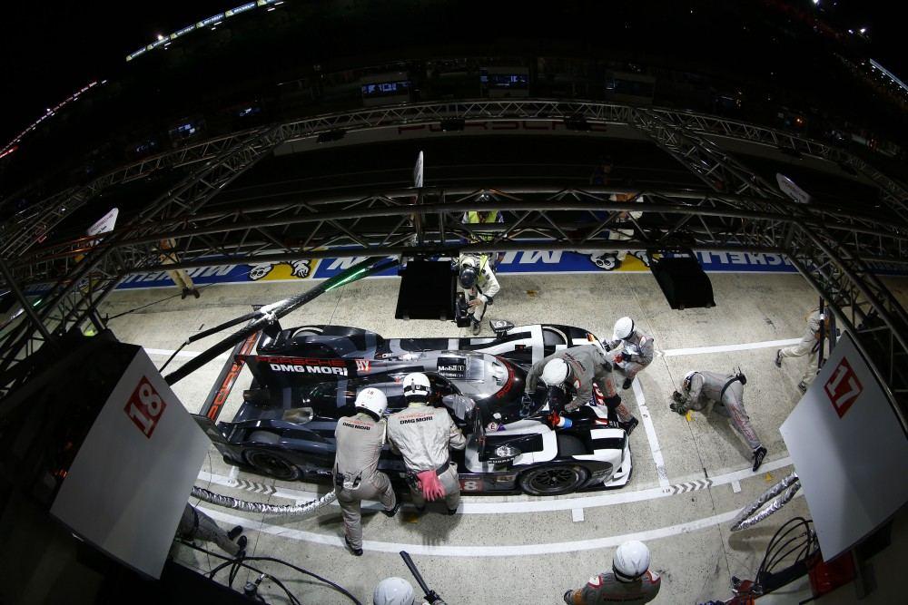 Porsche 919 Hybrid (18), Porsche Team: Romain Dumas, Neel Jani, Marc Lieb
