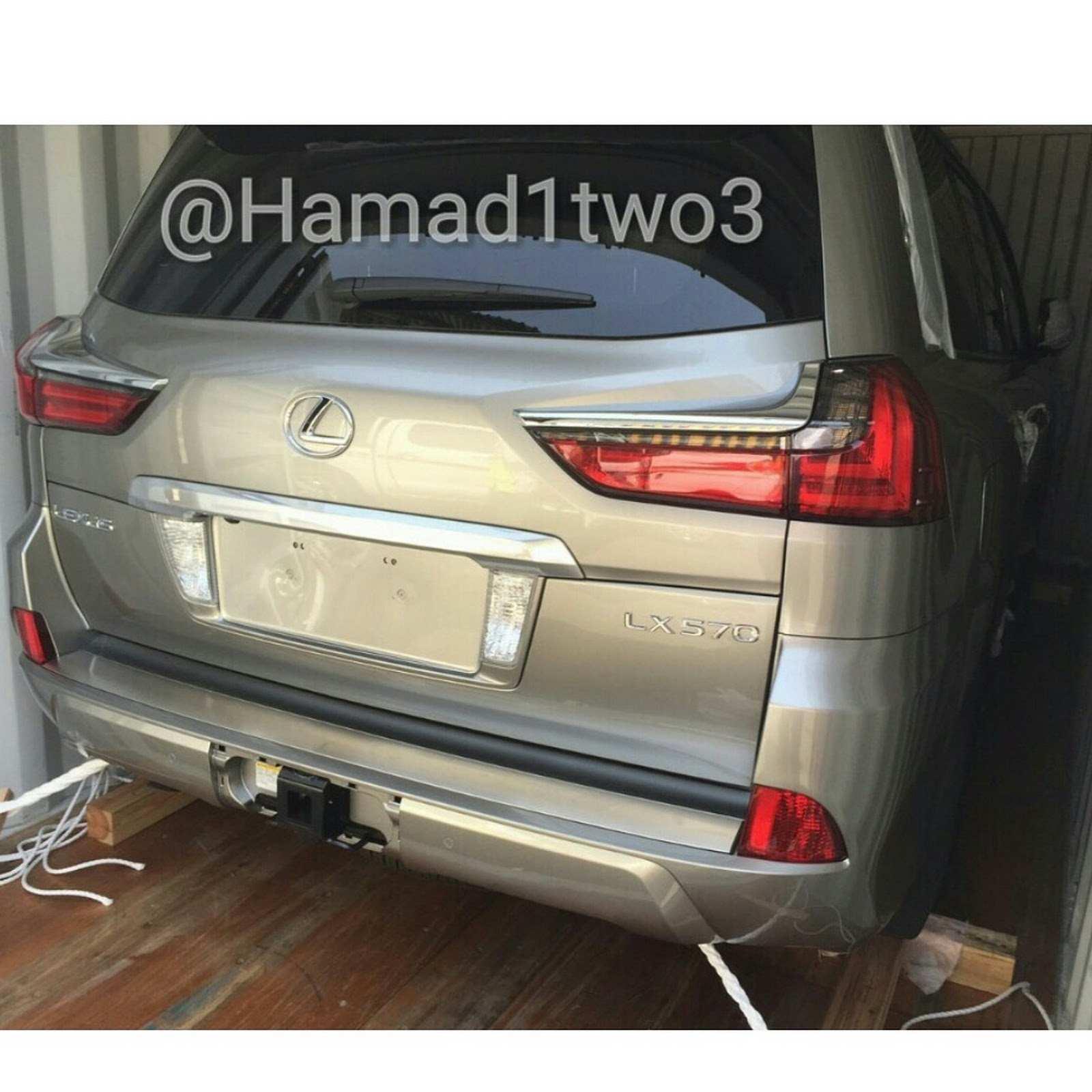 2016-Lexus-LX-1
