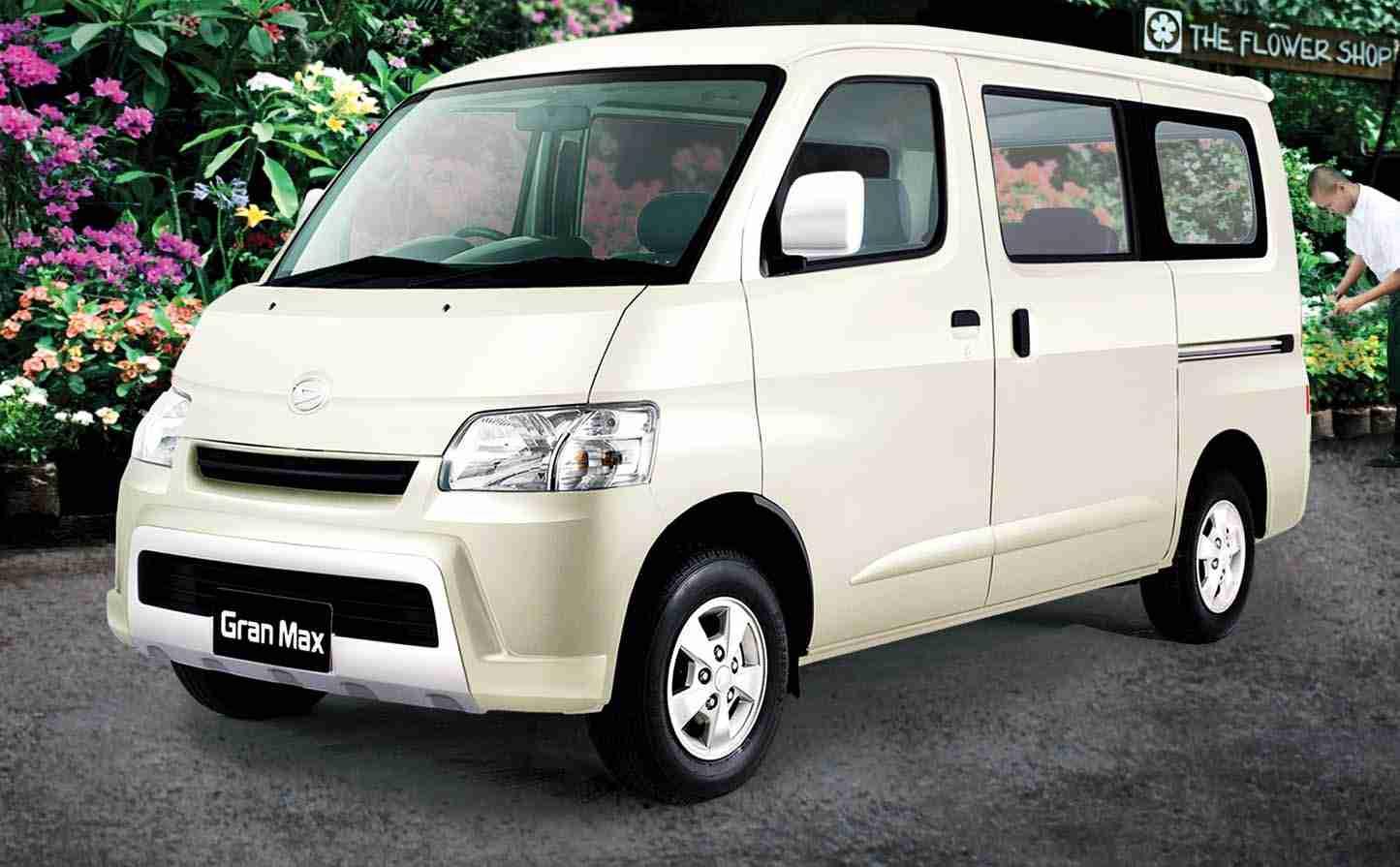 daihatsu-gran-max-minibus