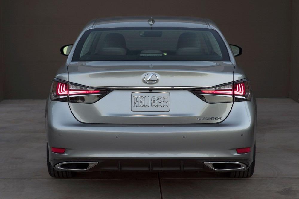 2016_Lexus_GS_200t_005_4488B360F9D4EC7B80B2E77DFC5975CA3FECF87F