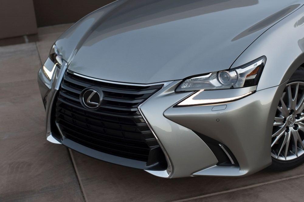 2016_Lexus_GS_200t_010_850E137150813C301A641B935716CAD4D1F379C6
