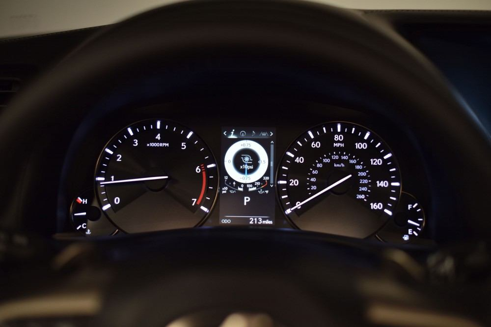 2016_Lexus_GS_200t_016_7C54C026B79FE2D8EADD1F00ACC40F2F2BC87ED7