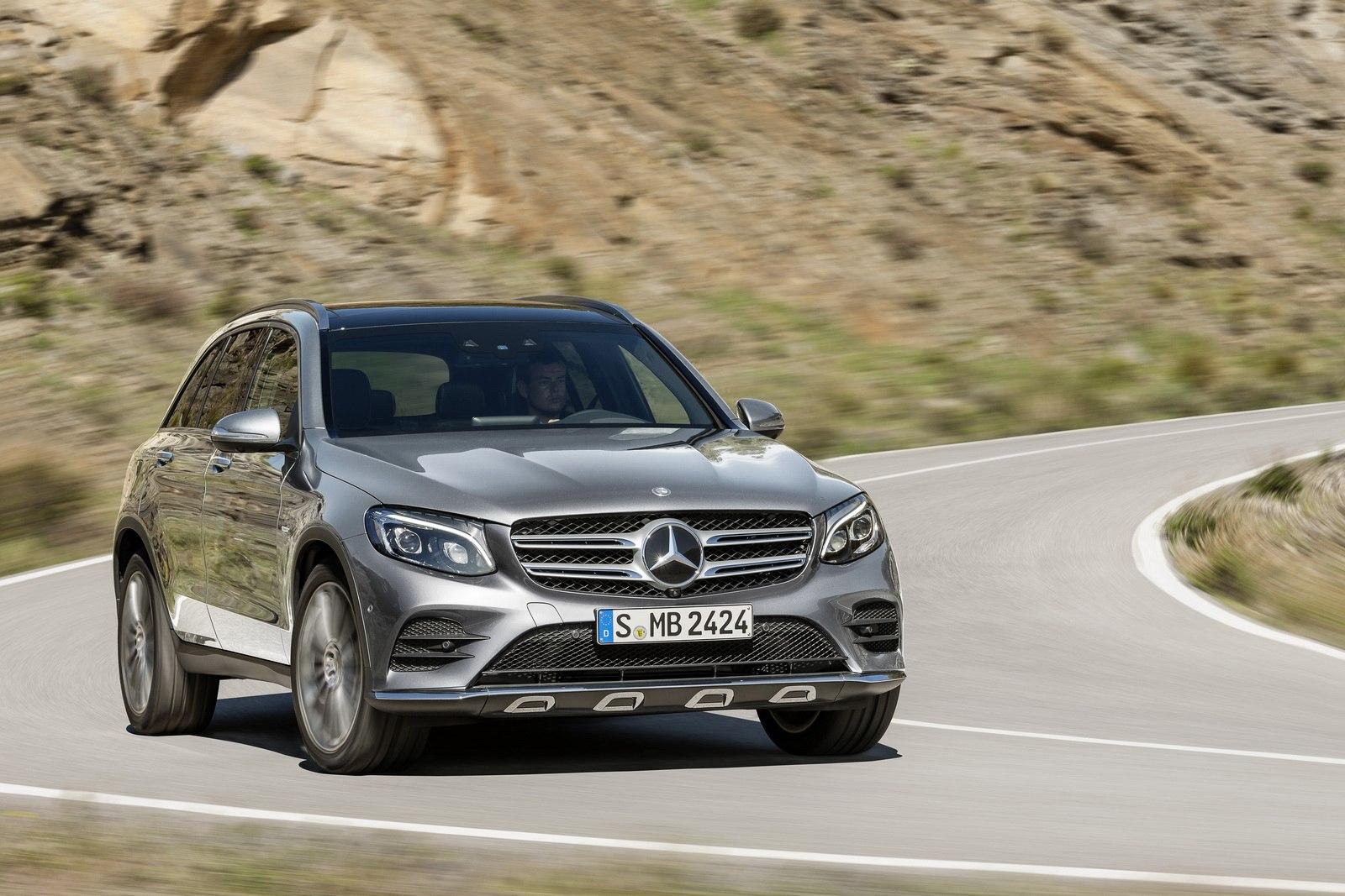 Mercedes-Benz GLC 350e 4MATIC, EDITION 1, SELENITGRAU, AMG Line ExterieurMercedes-Benz GLC 350e 4MATIC EDITION 1, Selenite Grey, AMG Line, Exterior