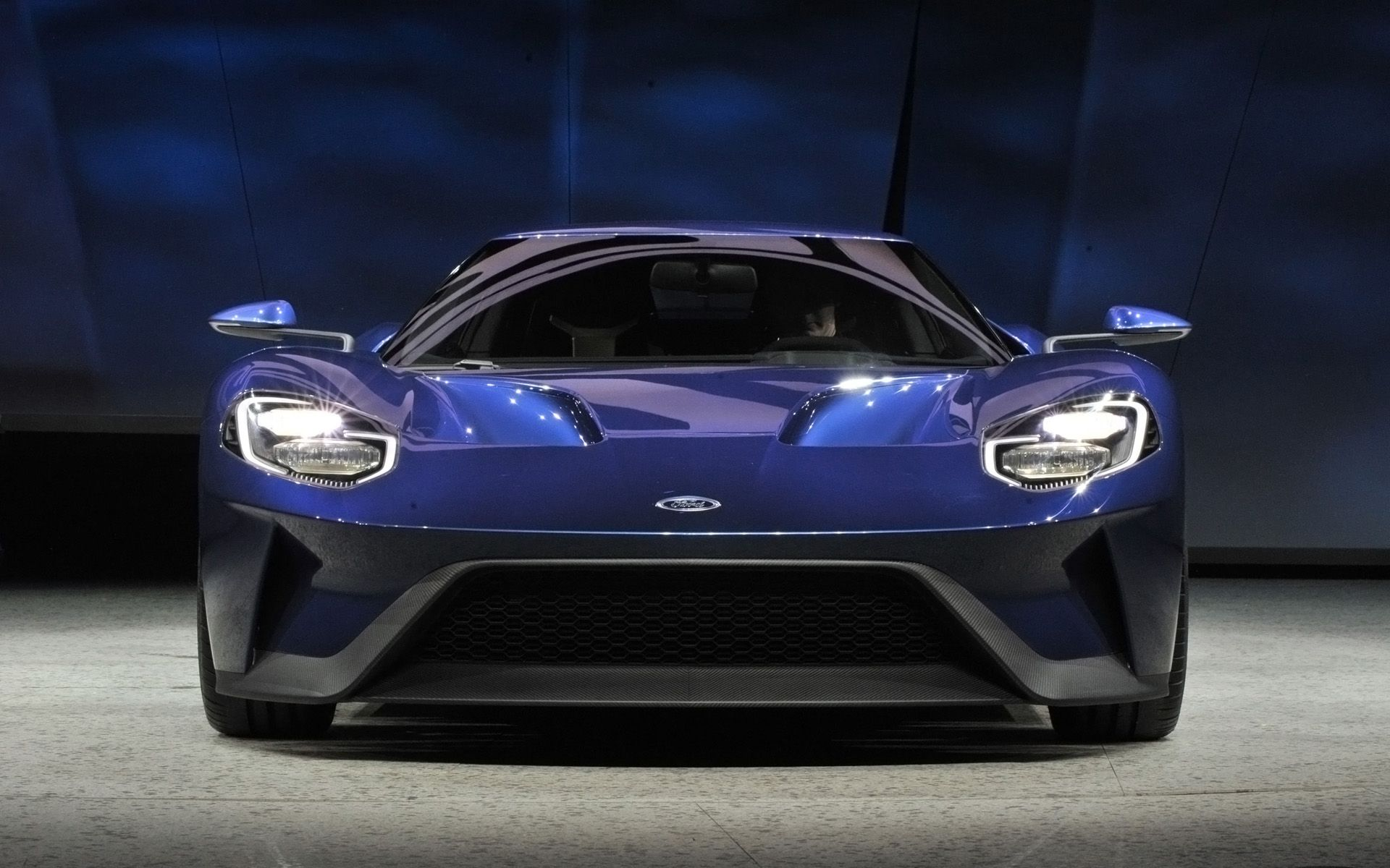 2016-Ford-GT-NAIAS-Debut-2-1920x1200