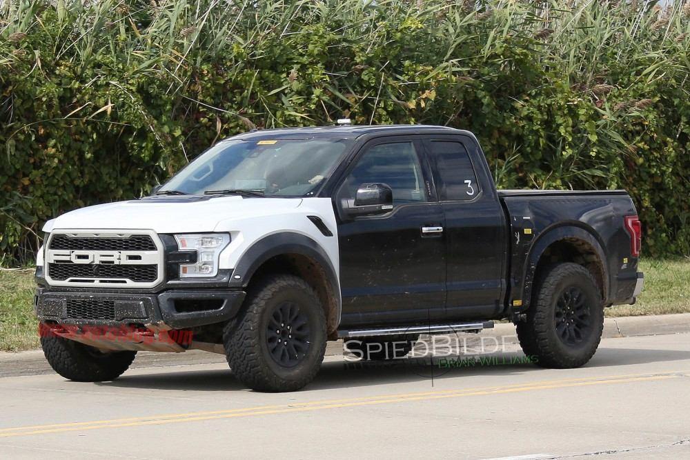 2017-Ford-Raptor2