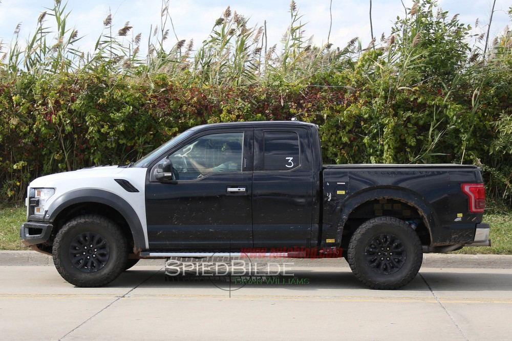 2017-Ford-Raptor5