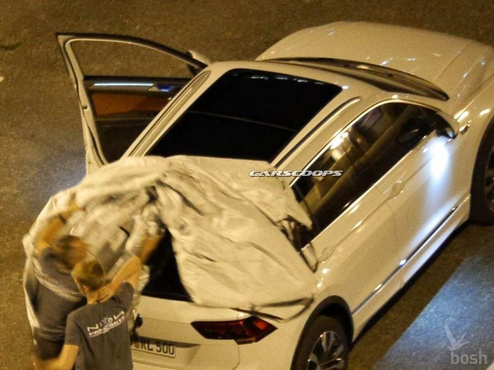 2017-VW-Tiguan-Carscoops5
