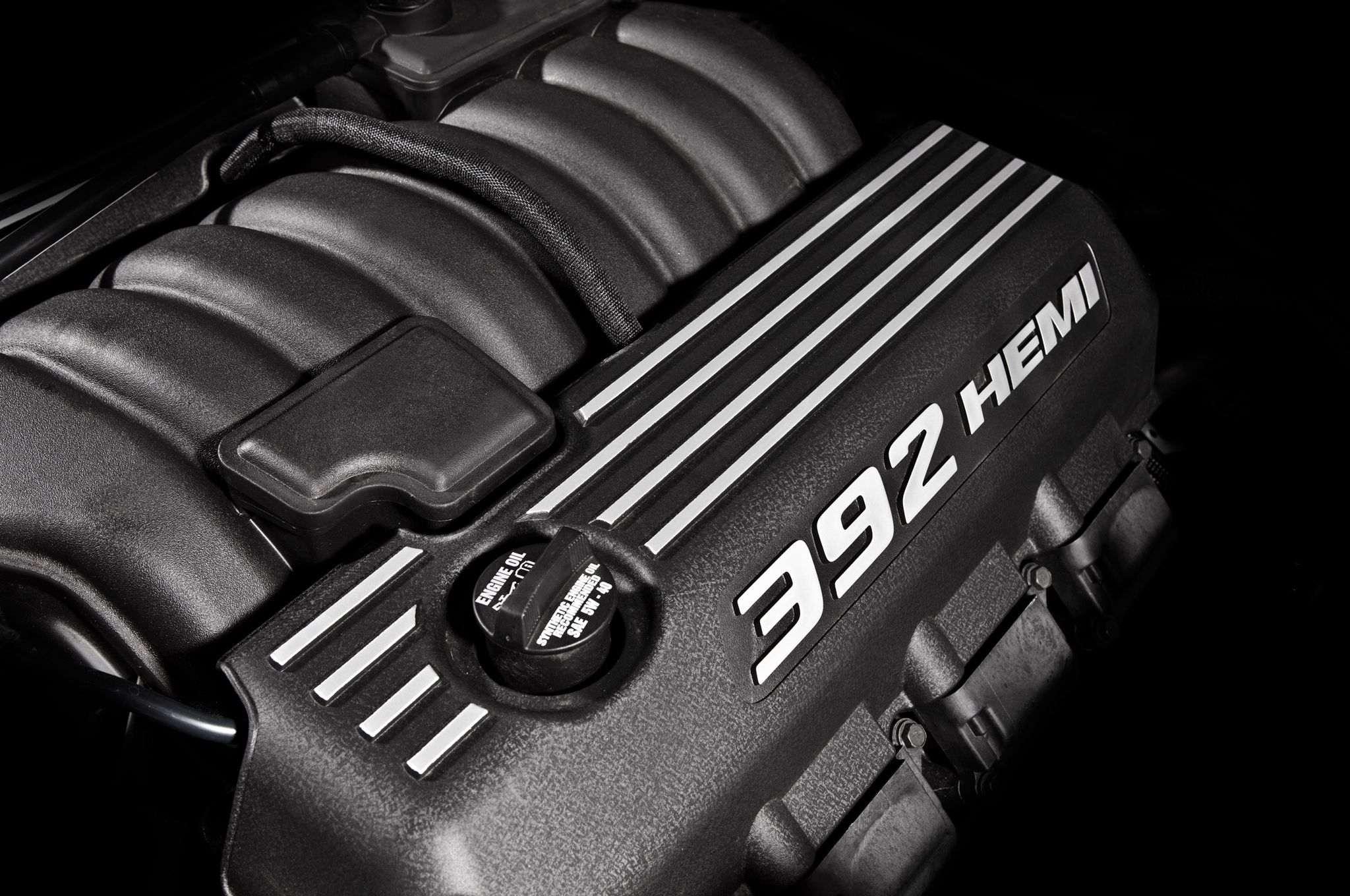 392-hemi-v8-engine