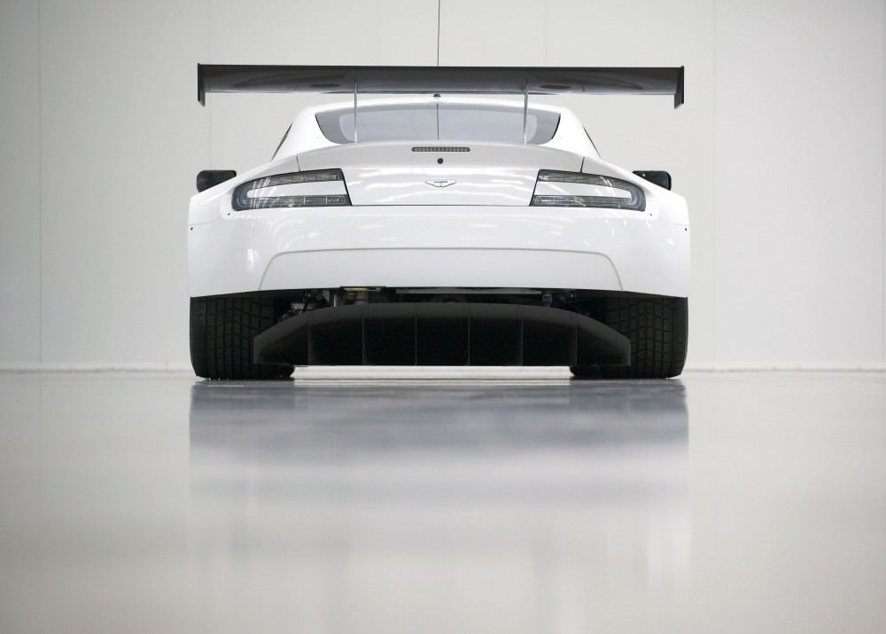 Airflow-under-the-Vantage-GTE-has-been-improved-to-enhance-the-rear-diffuser