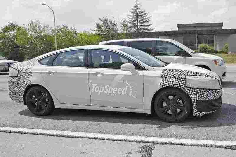 تصميم جانبي للسيارة فورد فيوجن ST 2017
