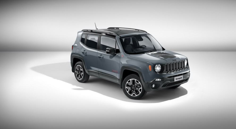 Jeep-Renegade-Trailhawk-accessorized-by-Mopar-1