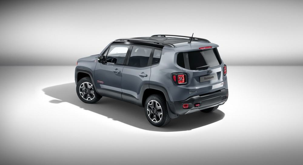 Jeep-Renegade-Trailhawk-accessorized-by-Mopar-2