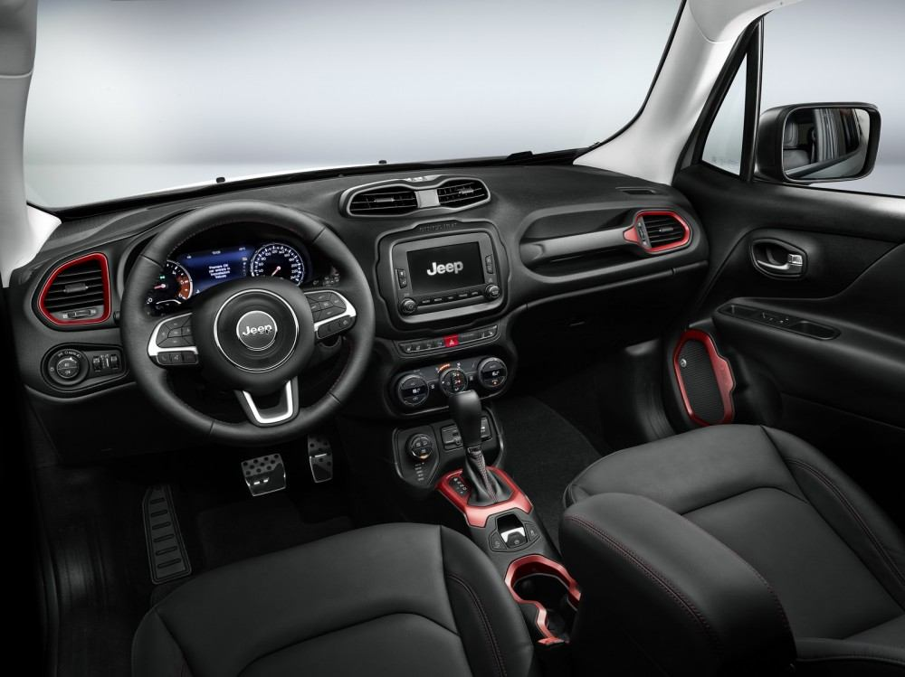 Jeep-Renegade-Trailhawk-accessorized-by-Mopar-9