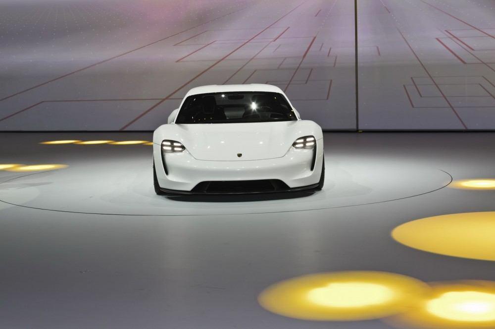 Porsche-EV-Sport-Sedan10