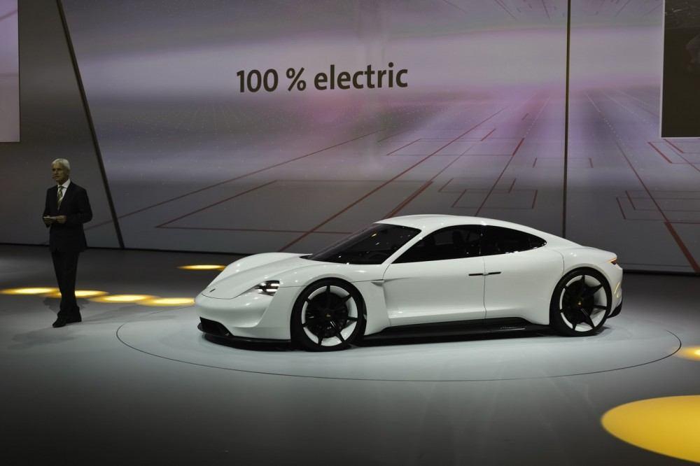 Porsche-EV-Sport-Sedan11