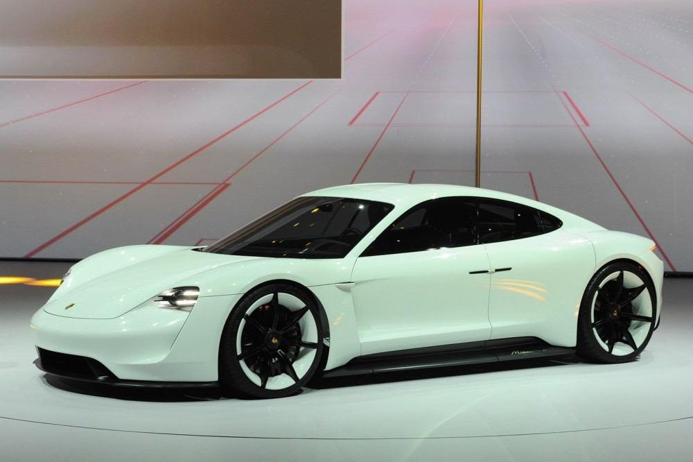 Porsche-EV-Sport-Sedan4
