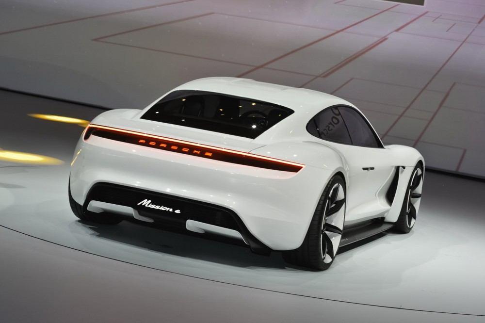 Porsche-EV-Sport-Sedan6