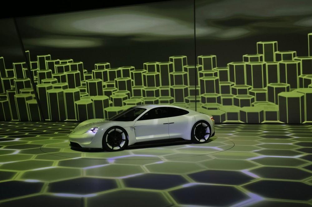Porsche-EV-Sport-Sedan7