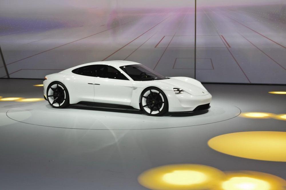 Porsche-EV-Sport-Sedan9
