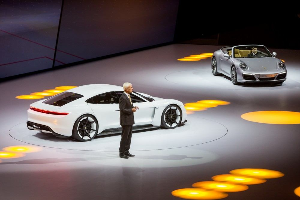 Porsche-Mission-E-Concept-2