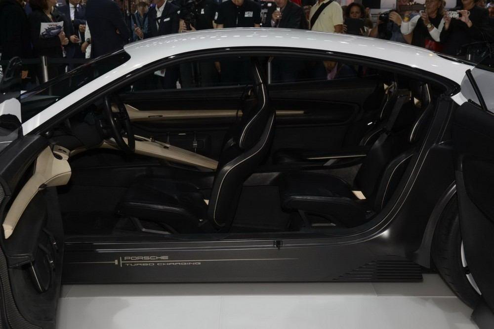 Porsche-Mission-E-Concept-21
