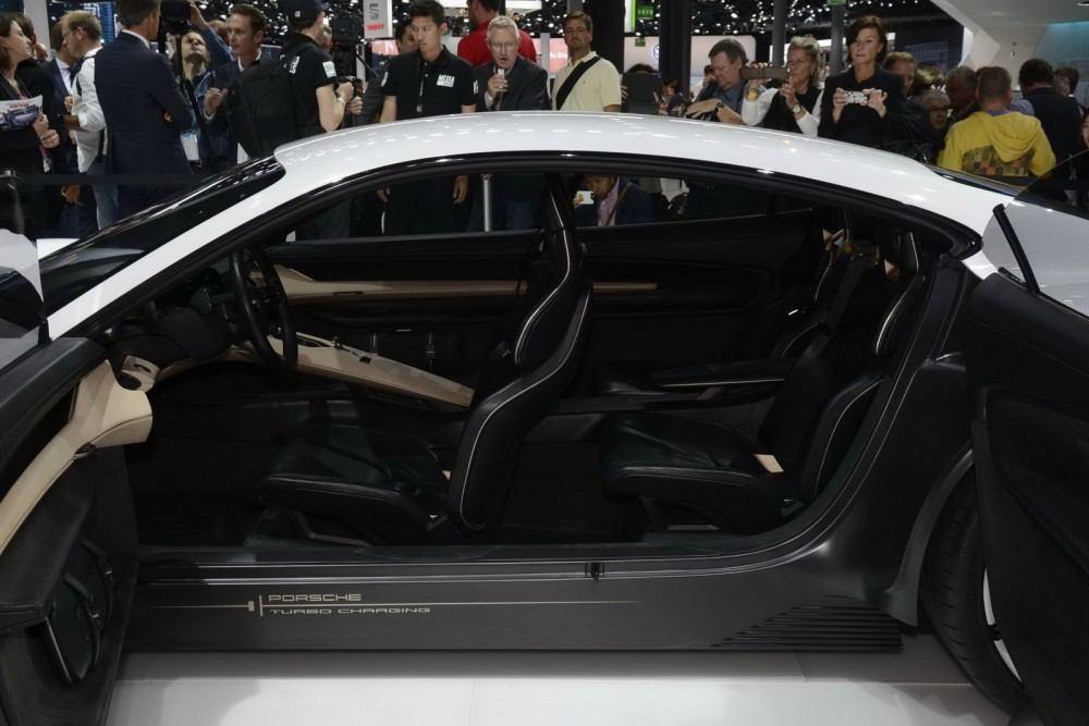 Porsche-Mission-E-Concept-22