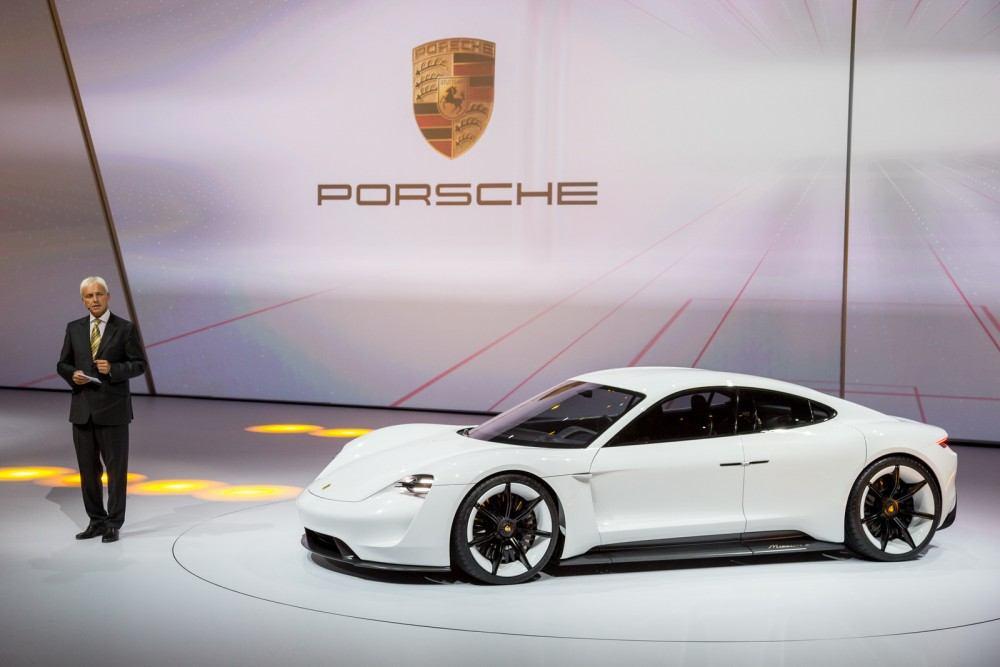 Porsche-Mission-E-Concept-3