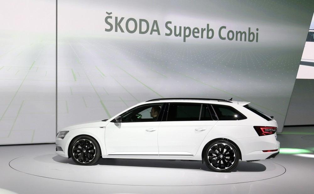 SKODA-SUPERB-SPORTLINE-2