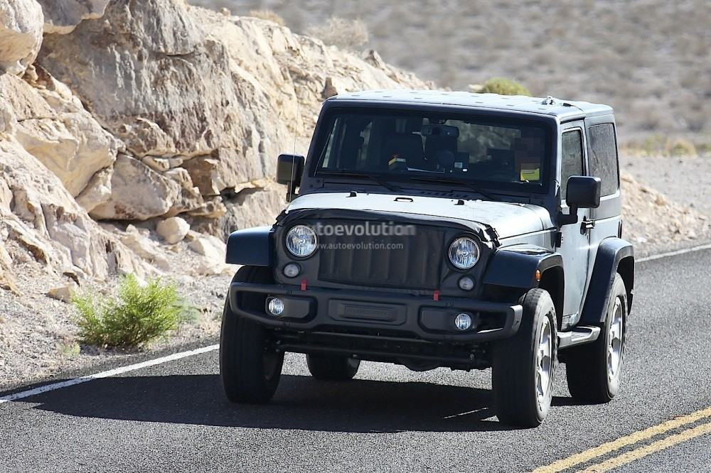 new-2018-jeep-wrangler-spied-testing-in-the-desert-will-grow-in-length_3