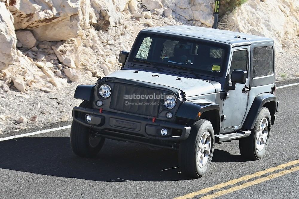 new-2018-jeep-wrangler-spied-testing-in-the-desert-will-grow-in-length_4
