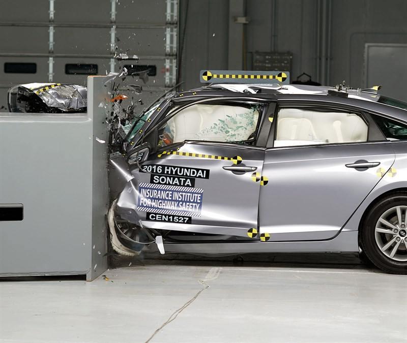 sonata crash test1