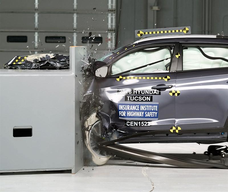 tucson crash test1